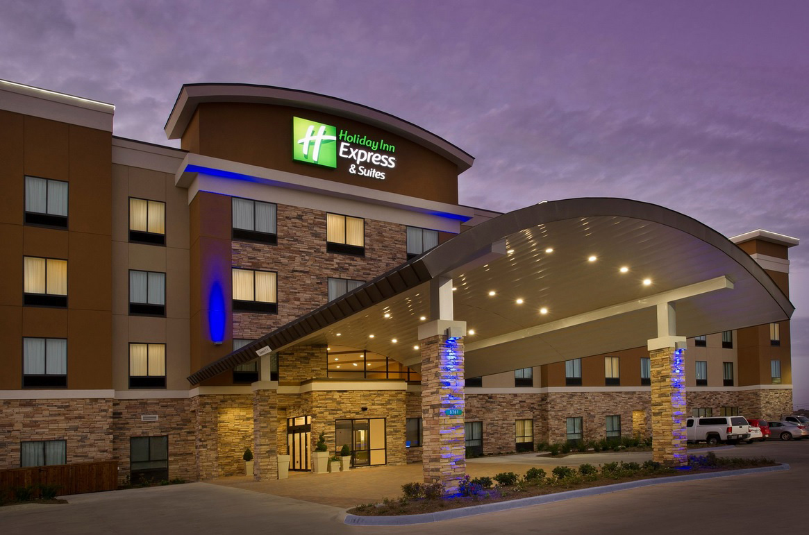 Waco-Holiday-Inn-Express-front